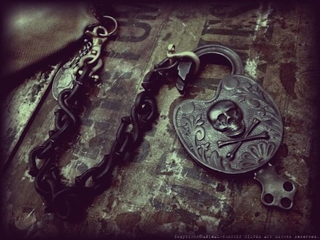19th Antique Skull & Bones Padlock (Repro)