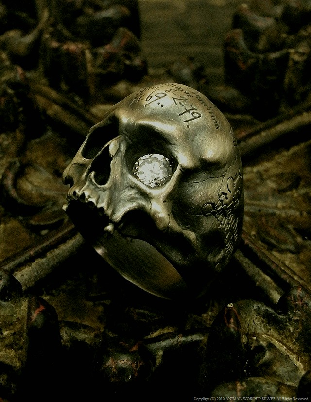 Mement Skull Ring SILVER×CZ 39,800 yen