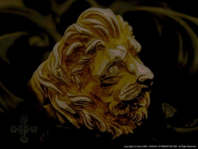 両目に石をセッティングした、西洋彫刻をイメージした雰囲気のライオン・リングです。K18コーティング落としによりアンティークの雰囲気が漂います。